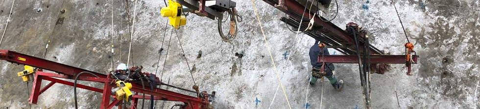 吊り式削孔